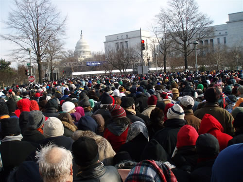 The Blue Gate line included hundreds of people waiting to get into the inauguration area on Jan. 20, 2009. The wait lasted roughly three hours. (Matt Sawatzki)