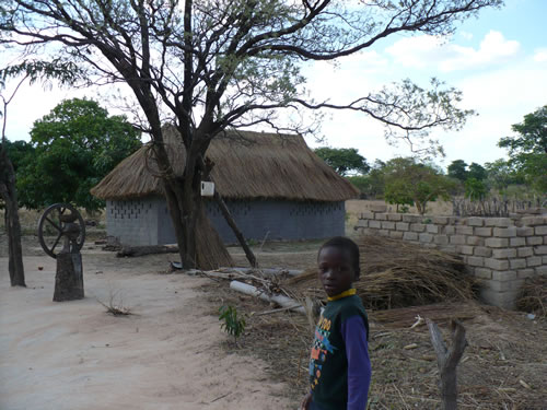 A rural village in Zambia, Nov. 13, 2007. (Florence Devouard)