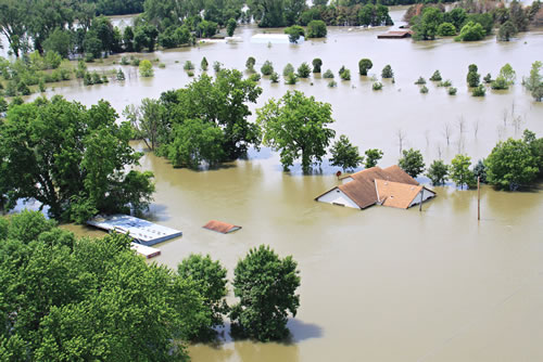 A view of flooding from the Missouri River along the Iowa-Nebraska border, June 20, 2011. (U.S. Army Corps of Engineers)