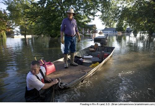 Flooding in Riv-R-Land, S.D. (Brian Lehmann/www.brianlehmann.com)