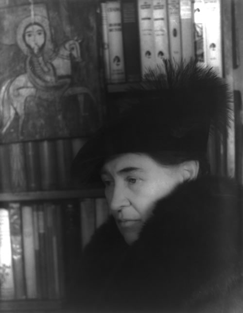 Willa Cather, Jan. 22, 1936, LC-USZ62-42538 (B&W film copy negative). (Carl Van Vechten Collection/Library of Congress, Prints & Photographs Division)