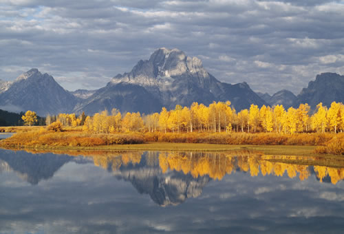 Teton range in autumn, from Oxbow Bend, Grand Teton National Park, Wyo.  (Thomas D. Mangelsen)
