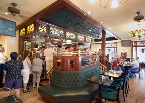 The world-famous Chances 'R' Restaurant and Lounge, known to York natives as simply the 'R', offers huge portions, reasonable prices and good food made from scratch.