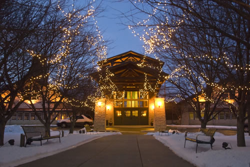 Lied Lodge in Nebraska City has marvelous holiday lights. (Nebraska Tourism)