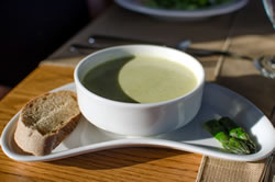 Asparagus and quark soup. (Sara Sawatzki)